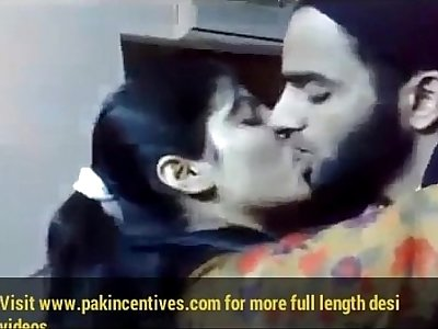 cute-desi-girl-kissing-with-bf
