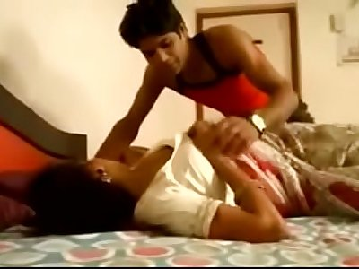 Desi sexy bhabi boob pressed kissing lonely in home - xdesitubes.com