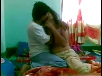 DESI GIRL FUCKED HARD BY BOYFRIEND - HornySlutCams.com